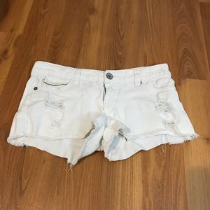 Streetwear Society Low-Rise White Shorts